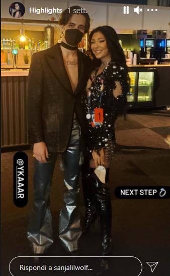 La cantante Sanja Vucic ha voluto una foto ricordo con Damiano